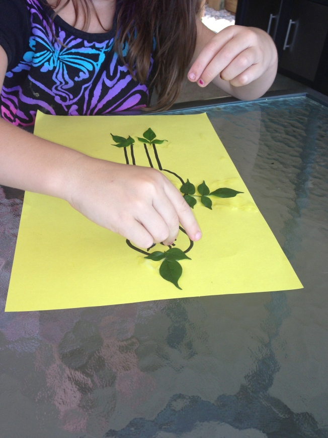 Toddler leaf craft